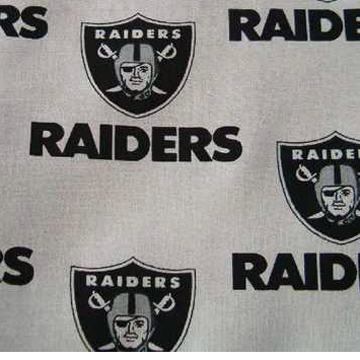 Oakland Raiders PET BANDANNA SCARF<br />オークランド・レイダース ペット用バンダナ スカーフ back