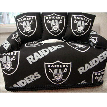 OAKLAND RAIDERS TISSUE BOX COVER front