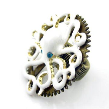 VINTAGE WHITE OCTOPUS RING back