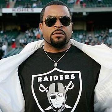 Oakland Raiders fleece scarf label