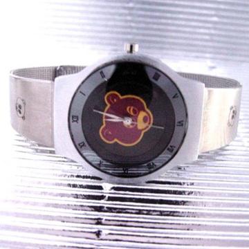 カニエ・ウェスト Dropout Bear 腕時計
