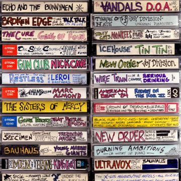 カセットテープ柄 13インチ ノート PC ケース <br />cassette tape laptop carry case label