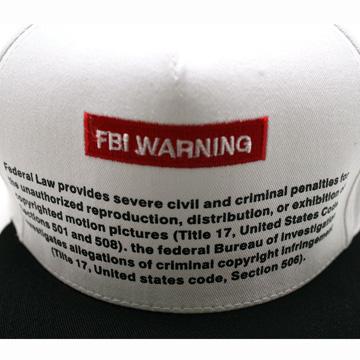 FBI ポルノ スナップバックキャップ  白<br /> FBI Warning Porno White Snapback Cap